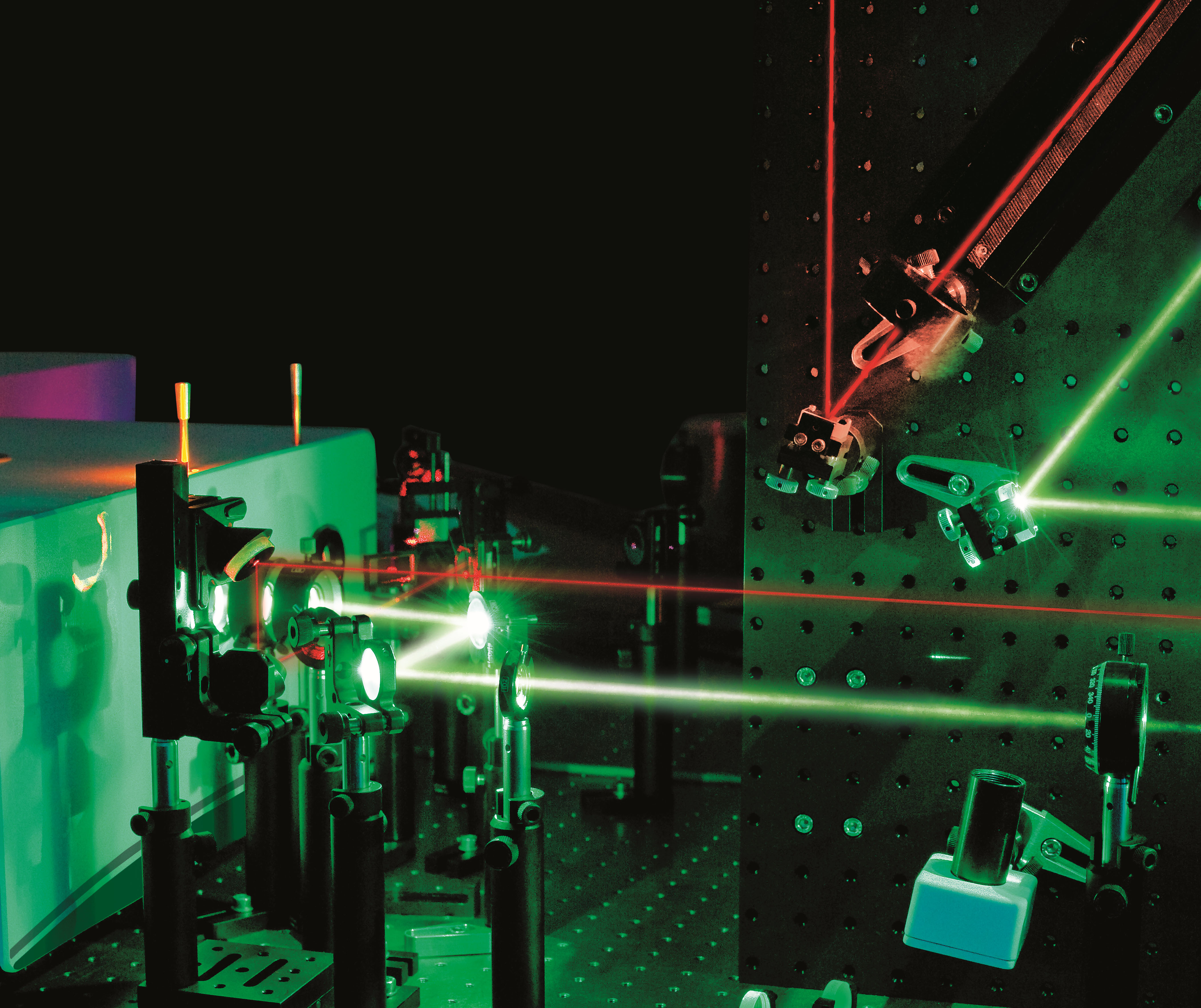 "Laser system with green and red laser beams. Phot. UAB ""Ekspla"""