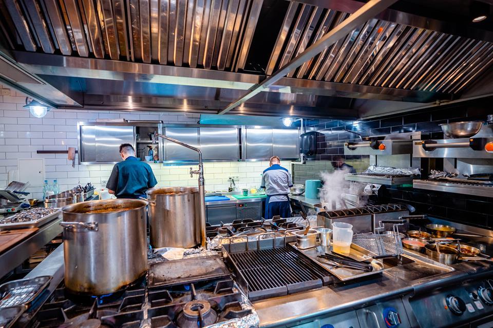 Kuchnia w renomowanej restauracji