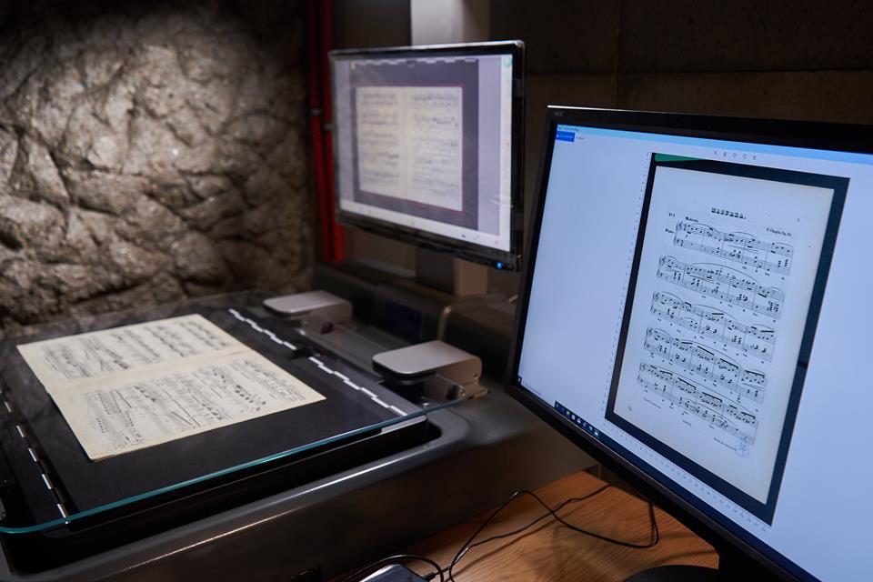 transkrypcje partytur w różnych wersjach